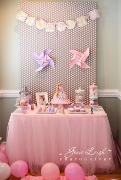 Princess party: love the tulle table skirt