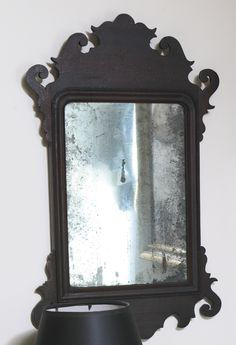 CHIPPENDALE MAHOGANY LOOKING GLASS, LABELED BY GEORGE DEAN, SALEM, MASSACHUSETTS, CIRCA 1800