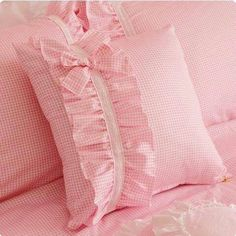 1 million+ Stunning Free Images to Use Anywhere Bow Pillows, Sewing Pillows, Cushion Cover Designs, Cushion Covers, Draps Design, Ruffle Duvet, Pillow Crafts, Baby Sewing, Pillow Design