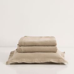 Natural washed linen bedspread and cushion cover