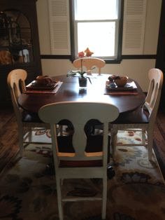 Our Beautiful Amish Extension Table In Maple Wood Mixed With Our Antique  Cream Mahogany Chairs Makes