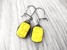 Yellow howlite vintage earrings stained glass by GepArtJewellery