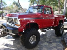 1979 ford F150 CUSTOM 4X4 MONSTER TRUCK.....goodness I'm drooling everywhere!!!!!