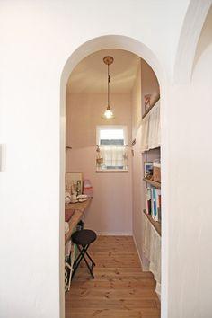 書斎/ワークスペース/パソコンスペース/インテリア/注文住宅/施工例/ジャストの家/study/work space/interior/house/homedecor/housedesign Office Den, Small Office, Tiny Living, Living Spaces, Study Space, Room Goals, Cozy Corner, Small Rooms, Getting Organized
