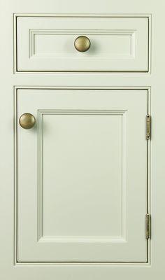 Vogue   Plain & Fancy Door Style   Finish: Arctic White Antique Distress