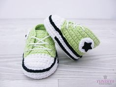 Crochet baby shoes Crochet baby booties 0-3 months Athletic shoes Crochet sneakers Baby boy booties Green Converse Handmade shoes Crib shoes The pattern is so adorable and comfort, durability. It is suitable from newborn to the baby within the first year. The sole is made of wool felt! SIZE BOOTIES * Newborn: 3 * 0-3months: 3,5 * 3-6months: 4 * 6-9 months: 4,5 * 9-12 months: 5,1 SIZE HAT Newborn: 12 inches / height: 5 0-3 Months: 14 inches / height 5.5 3-6 Months: 16 inches / ...
