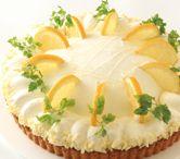 レモンタルト。レモンの爽やかなカスタードクリームとほんのり甘いハチミツムース。