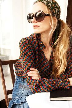 Travel in style with Laura Bailey (Condé Nast Traveller) Laura Bailey, Ray Ban Women, Only Fashion, Fashion Styles, Fashion Corner, Ray Ban Sunglasses, Sunglasses Outlet, Weekend Style, Mixing Prints