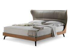 Letto matrimoniale in cuoio MAMY BLUE BED by Poltrona Frau design Roberto Lazzeroni