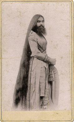 Annie Jones-Elliot, Bearded Lady