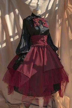 What a bad bitch would wear if she was born in 1929 Pretty Outfits, Pretty Dresses, Beautiful Dresses, Kawaii Fashion, Cute Fashion, Rock Fashion, Emo Fashion, Old Fashion Dresses, Fashion Outfits