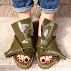 Knot sandals by Kartell & N°21 #n21loveskartell