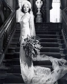 The Most Iconic Movie Wedding Dresses of All Time Famous fashion designer Oleg Cassini made the timeless allover lace wedding gown that his wife at the time, actress Gene Tierney, wore as Isabel in the 1946 film. Movie Wedding Dresses, Wedding Dress Costume, Wedding Movies, Wedding Scene, Wedding Gowns, Lace Wedding, Wedding Blog, Famous Wedding Dresses, Temple Wedding