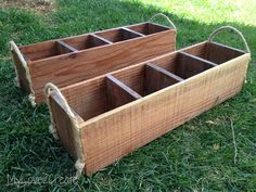 One of the best things about decorating today is that rustic and antique things are always popular, especially crates. Antique crates can work for any style of decorating and serve many useful purposes. Diy Wood Projects, Wood Crafts, Diy And Crafts, Projects To Try, Dining Room Paint Colors, Enrichment Activities, Diy Box, Thoughts And Feelings, Old Wood