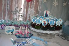 Frozen Disney cupcakes, cake pops and chocolate dip marshmallows.