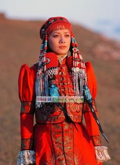 Stunng TIBET Traditional Clothing and Hair Decoration