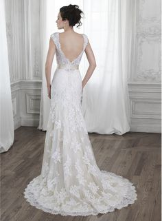 Shayla - by Maggie Sottero