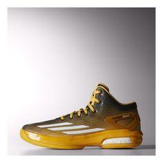 buy popular e5dc2 6de69 Made for full-speed assaults on the hard court, these men s shoes blend  light