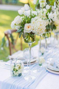 white flower arrangement ideas @weddingchicks