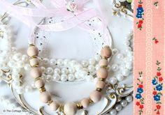 Simple Spring Necklace DIY