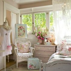 Lovely shabby chic.....