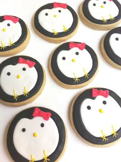 penguin cookies! how cutie @Natasha S Hill would love these :P