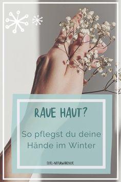 Kennst du das auch? Raue und trockene Hände im Winter? Die kalte Jahreszeit kann wunderschön sein, doch für unsere Haut stellt sie oft eine Herausforderung dar. Vor allem die empfindlichen Hände sind häufig schutzlos Wind und Wetter ausgesetzt und reagieren darauf mit spröden trockenen Stellen, kleinen Rissen oder Rötungen. Wir verraten dir, wie deine Handpflege im Winter sein sollte. #edel-naturwaren.de
