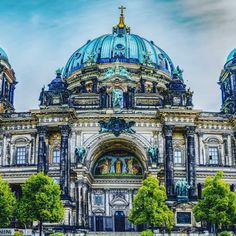 Cathedral⛪ - Germany  TAG your travel BUDDY👇  #travel_panorama #travelblogger #travel_drops #visit_germany #love_travel #autumn #postcardoftheworld #ig_travel #germany #travelpic #placestosee #wonderful_places #bestplacestogo #bucketlist #citiesoftheworld #cathedral #traveltheworld #archilovers #deutchland_greatshots #igersgermany #loves_germany #placestosee #places_wow
