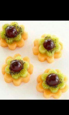 Frutas en forma de flor