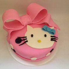 Torta Hello kitty Tortas tematicas Cali Cotizaciones 318-502-2822