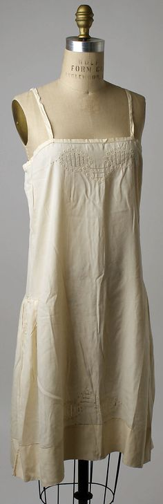 The Met: Underwear, 1920s