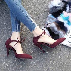 Dream Shoes, Crazy Shoes, Me Too Shoes, Pretty Shoes, Beautiful Shoes, Hot Shoes, Shoes Heels, Stiletto Shoes, Louboutin Shoes
