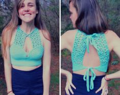 Crochet Keyhole crop top halter pattern by MermaidcatDesigns(Corp Top Crochet) Bikinis Crochet, Crochet Bra, Crochet Bikini Top, Crochet Blouse, Love Crochet, Crochet Clothes, Diy Clothes, Crop Top Halter, Crochet Halter Tops