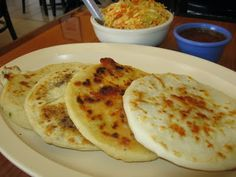 Receta para Pupusas salvadoreñas  -  Just made these, and they were delicious.  I made the revuelta - con queso y frijoles.  Now I need to go get some chicharron and do it again!