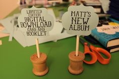 Craft Tutorial: Cute Paper Price Sign! Adorable wooden spool as a base. Perfect for craft shows and super customizable.