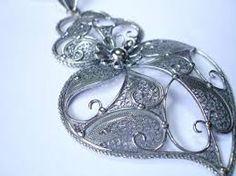 Resultado de imagem para Portuguese Jewellery – Shaped With Love