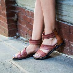 6878bc61f658 womens summer sandals souvenir in sangria closeup