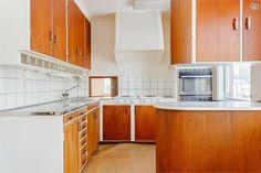 Mid Century Interior Design, Mid-century Interior, Home Kitchens, Mid-century Modern, Sweet Home, Kitchen Cabinets, Dining Room, Indoor, Retro Style