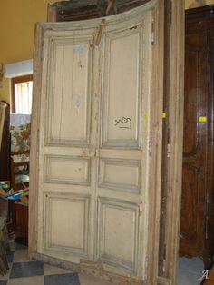 Photo Deux vantaux de porte du XIXe siècle cintrés avec chassis