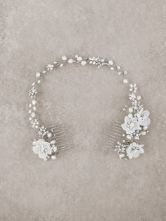 Double bridal comb in aged silver, gemstones, pearls and organza | Pronovias