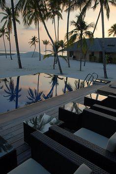 The pool at a private island at Veligandu Resort, Maldives (by kraalomega).