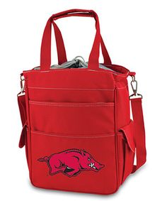The team-themed, water-resistant Activo has a roomy insulated inner compartment with space for food and drinks, an expandable drawstring top and five outer pockets for smaller snacks, napkins and other take-along essentials. With handles and an adjustable shoulder strap, it's easy to carry to the stadium, to the beach and on the road between games.
