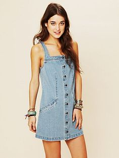 great denim button down dress, perfect for summer 8)