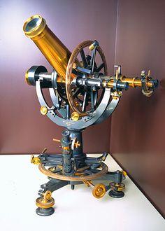 Tecnologia: Teodolito astronómico observación del eclipse de Sol del 28 de mayo de 1900