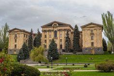 """* Erevan * Capital da Armênia. """"National Assembly of Armenia""""."""