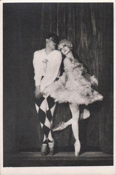 "Anna Pavlova Russian Prima Ballerina in ""Harlequinade"" Original Photograph Anna Pavlova, Vintage Ballet, Russian Ballet, Ballet Photos, Ballerinas, Vintage Photography, Blur, Dancers, Ballet Dance"