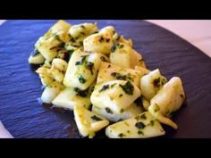Sepia a la plancha con Ajo y Perejil Food To Go, Good Food, Food And Drink, Yummy Food, How To Cook Octopus, Tapas, Fish And Chips, Canapes, Food Hacks