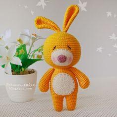 Mesmerizing Crochet an Amigurumi Rabbit Ideas. Lovely Crochet an Amigurumi Rabbit Ideas. Crochet Gratis, Crochet Patterns Amigurumi, Amigurumi Doll, Crochet Dolls, Free Crochet, Crochet Rabbit, Easy Crochet Projects, Art Japonais, Stuffed Toys Patterns