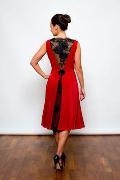 Passion Red Twist & Twirl Dress | Make a statement on the dancefloor as you twist and twirl...