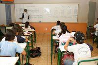 JORNAL REGIONAL EXPRESS: 85% das escolas retomam funcionamento total ou par...